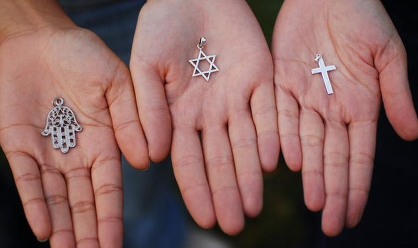 Símbolos de religiões. (Imagem Ilustrativa)