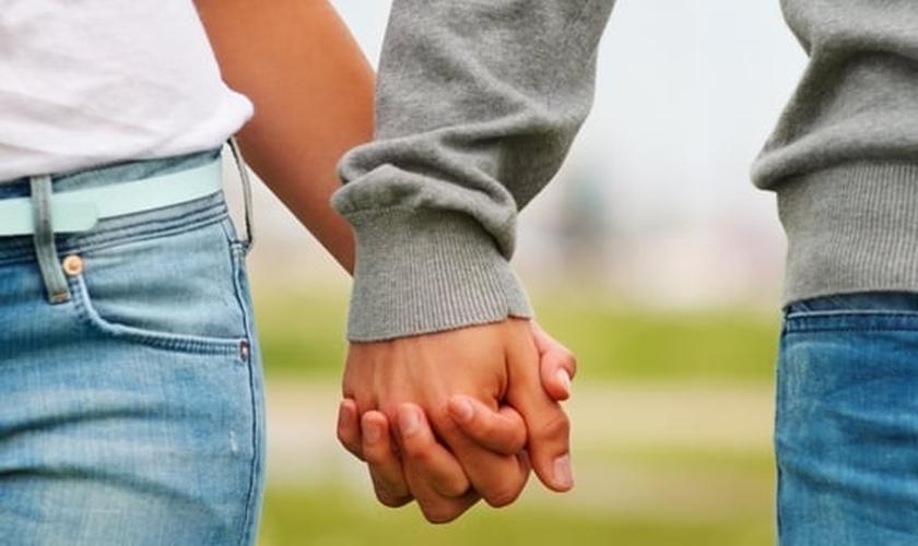 Às vezes, ter equilíbrio é difícil, mas é possível mostrar um amor puro ao seu parceiro.