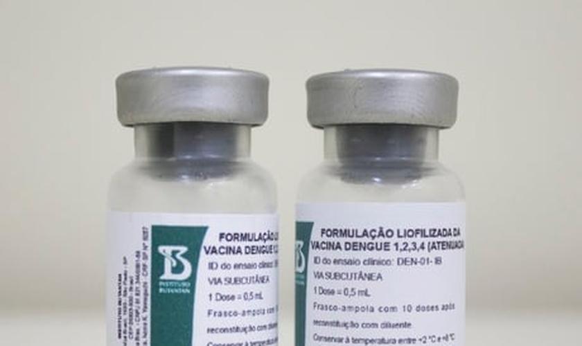 Vacina contra dengue adiada