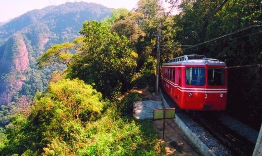Viagem de trem de Brasil