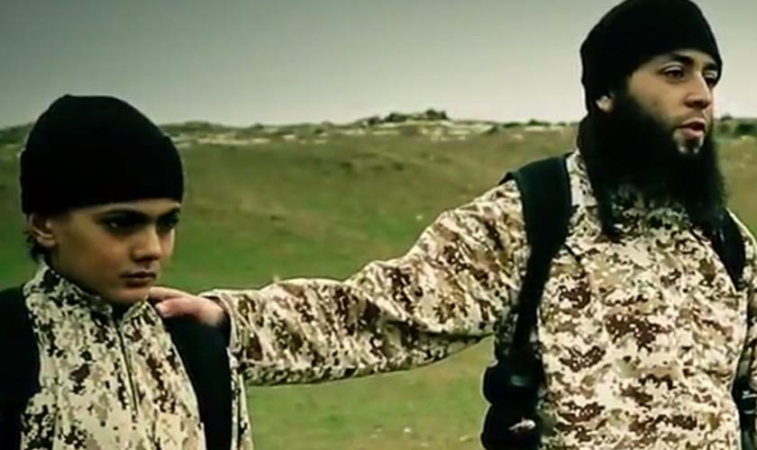 Meninos revelaram que foram forçados a lutar contra os próprios parentes muçulmanos.