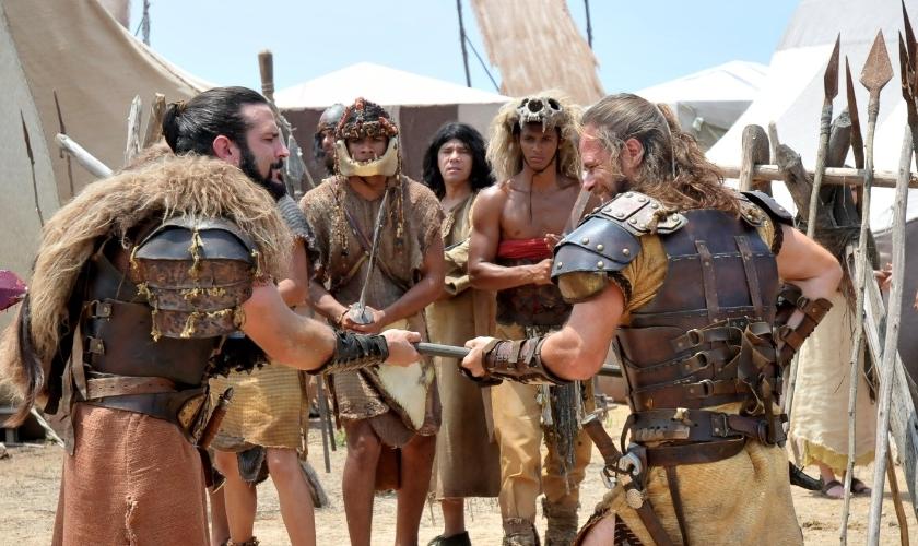Cenas de ação da minissérie bíblica Rei Davi, da Record. (R7)