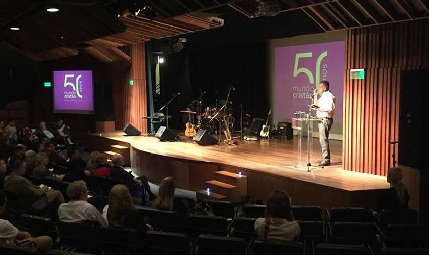 Mundo Cristão celebra 50 anos em culto