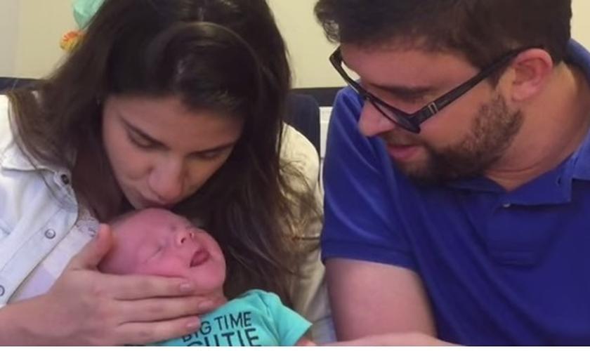 Marcos e Natália Botelho com o Daniel