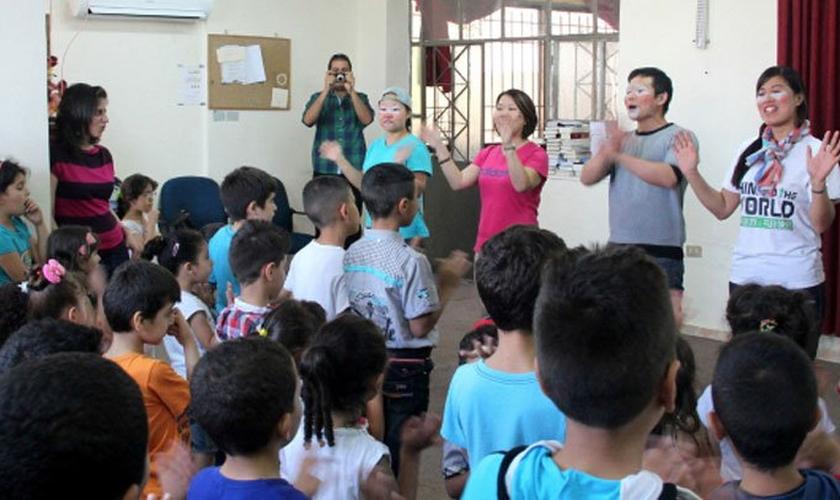 Voluntários chineses da MAIS no Oriente Médio