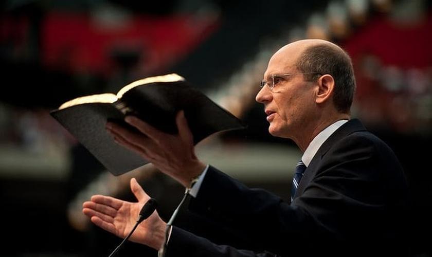 Pastor Ted Wilson é nomeado para segundo mandato na Adventista do Sétimo Dia