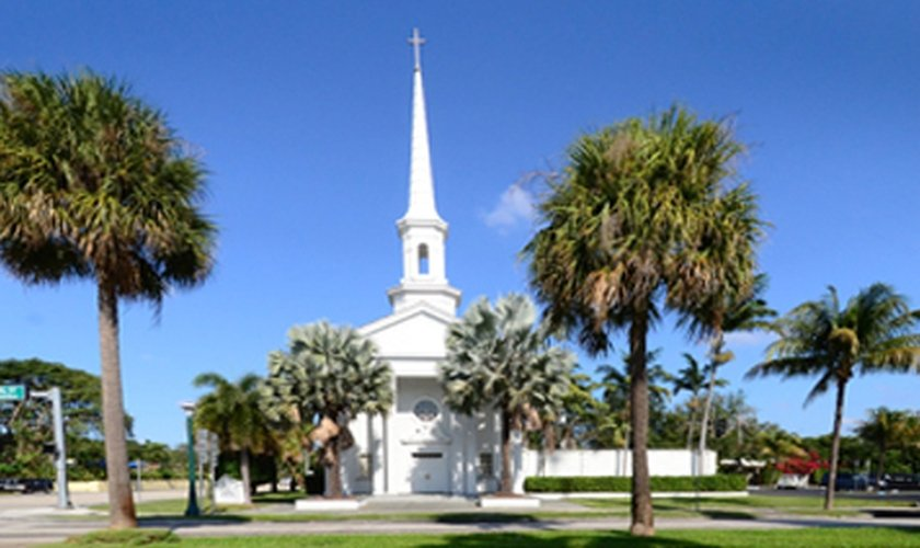 Faixada da Miami Shores Presbyterian Church.