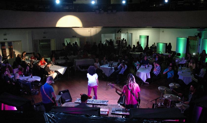 O projeto Redenção, há mais de 18 anos, abre suas portas para receber nomes da música gospel.