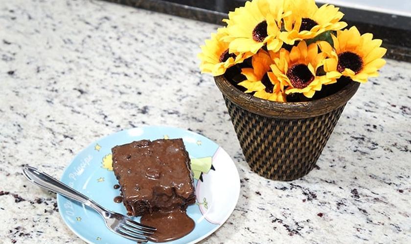 Bolo de chocolate de microondas