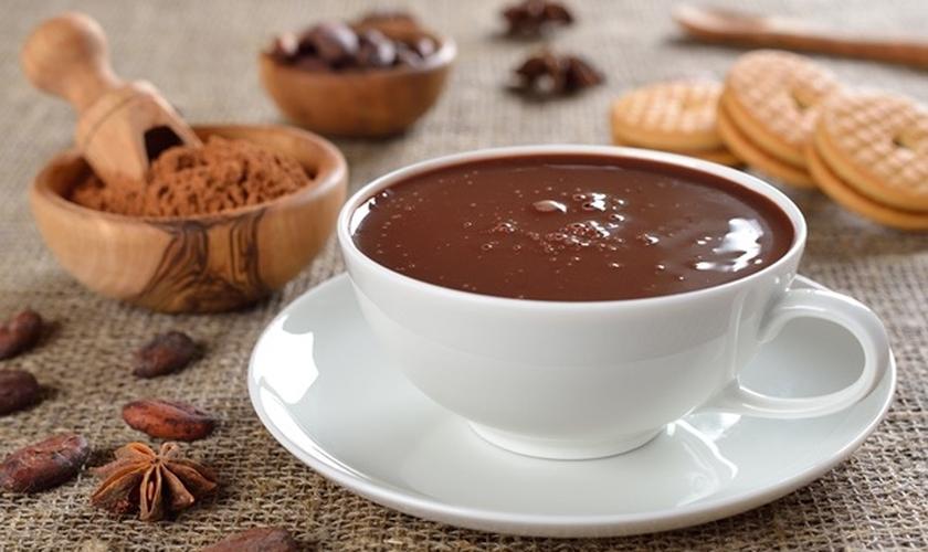 Chocolate quente cremoso bom canela