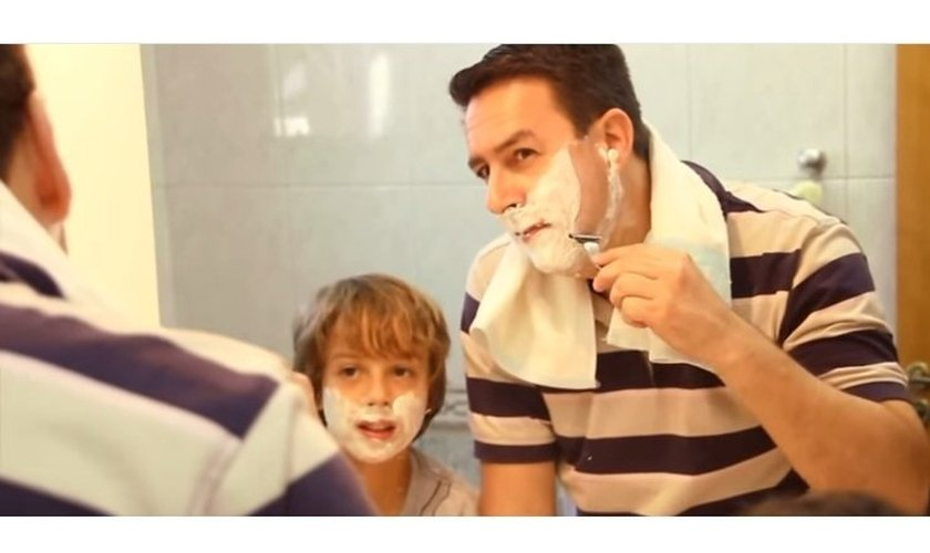 Vídeo 'Pai observado'