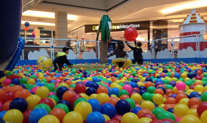 Mar de Bolinhas no Shopping ABC