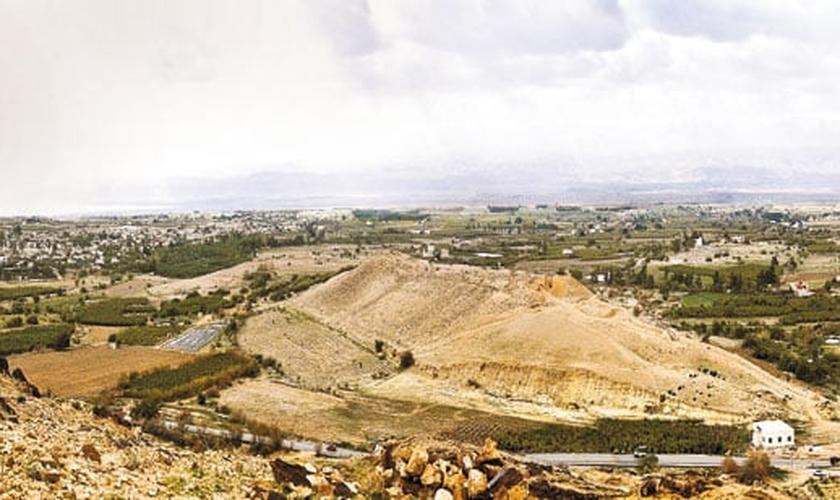 O anúncio da descoberta foi feito após 10 anos de escavação e estudos. (Foto: Biblical Archaeology)