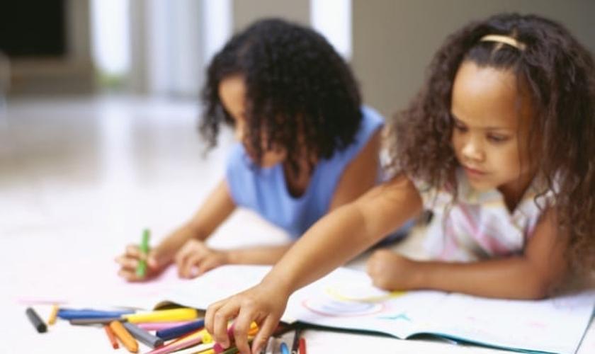 A iniciativa tem como objetivo despertar nas crianças o interesse pela mensagem bíblica. (Foto: UOL)