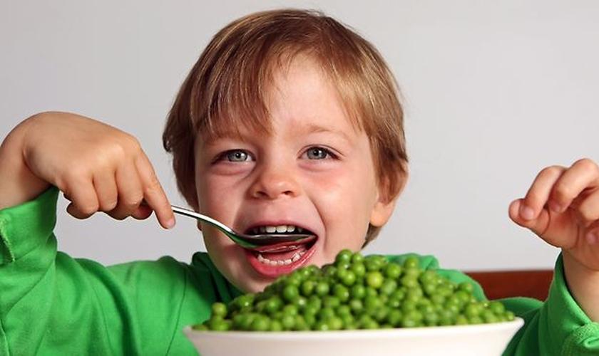 Com a mudança de hábitos é possível mudar o quadro de obesidade, pois as crianças de uma forma geral possuem o metabolismo excelente. (Foto: Shred Fat)