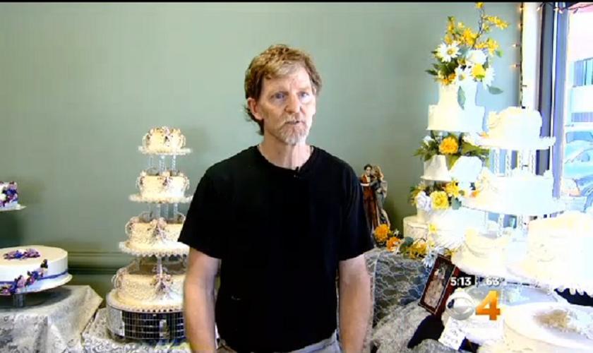 Jack Phillips é dono da confeitaria Masterpiece, no estado do Colorado e tem lutado pelo direito de sua fé cristã como razão para recusar as  encomendas de bolos para casamentos gays. (Foto: CBS 4 - captura de tela)
