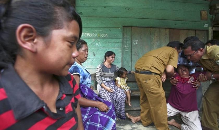 """""""NÓS NÃO VAMOS PARAR DE CAÇAR OS CRISTÃOS"""", DIZ LÍDER MUÇULMANO DA INDONÉSIA"""