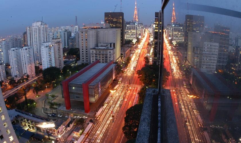 A metrópole possui uma vasta rede gastronômica, com 15 mil restaurantes e 60 tipos de cozinhas diferentes. (Foto: Veja/ Raul Junior)