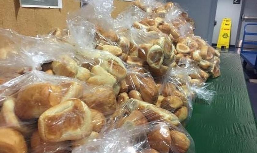 A Union Gospel Mission também entregou pacotes com lanches para as pessoas levarem com elas após o evento. (Foto: Rachael Rafanelli/ KGW)