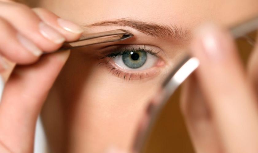 Veja os erros mais comuns quando se trata de sobrancelhas. (Foto: Divulgação)