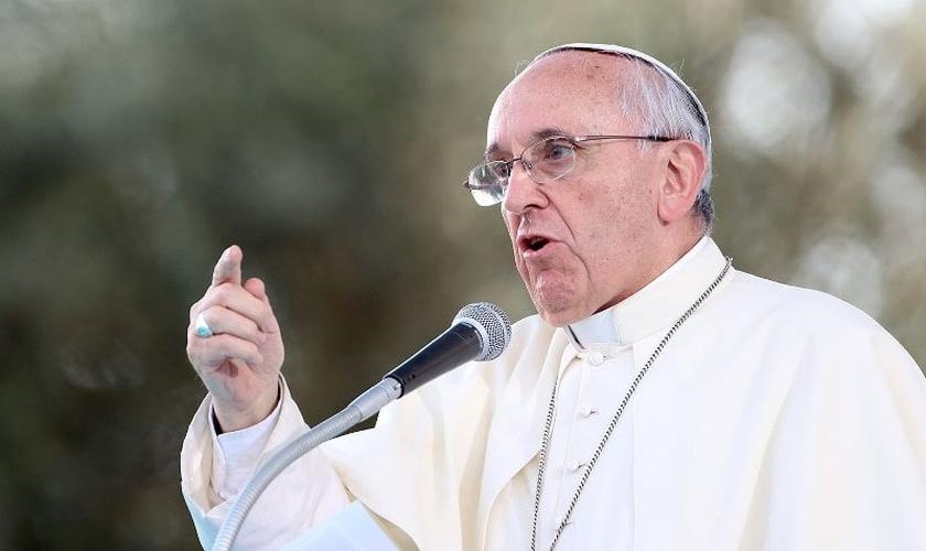 Papa na Santa Marta: reencontrar as ra�zes e n�o o autoex�lio psicol�gico