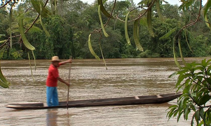 O objetivo do projeto foi o de levar assistência social e espiritual à população em situação de risco da Amazônia. (Foto: Reprodução/ TVCA)