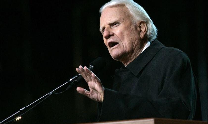 """O líder cristão e ministro batista de 97 anos compartilhou suas sábias palavras em um post esta semana na página """"Minhas Respostas"""". (Foto: Reprodução)."""