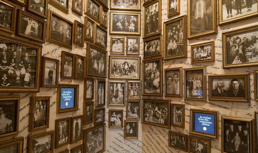 Os painéis interativos mostram, por exemplo, uma galeria de personalidades judaicas. (Foto: Danilo Verpa/Folhapress)