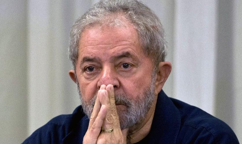 Apesar do mandado de condução coercitiva, Lula não chegou a ser preso. (Imagem: Publico.pt)