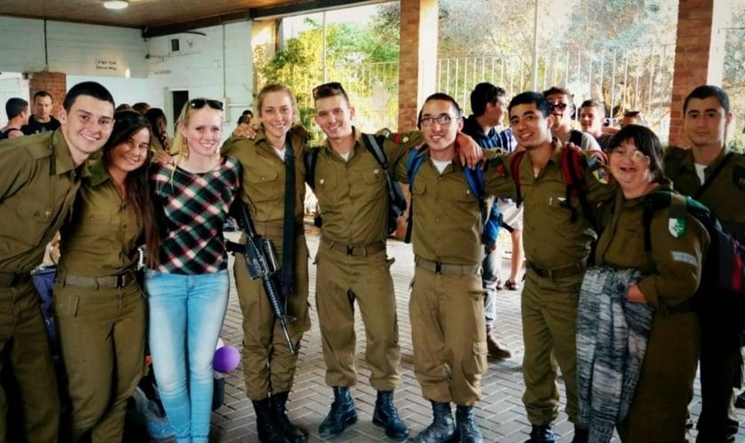 Soldados judeus messiânicos em uma conferência realizada recentemente. (Foto: Facebook)