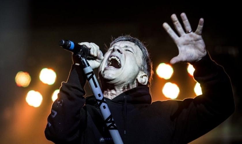 Bruce Dickson se apresenta com sua banda Iron Maiden, para cerca de 41 mil pessoas em São Paulo. (Foto: Lucas Lima / UOL)