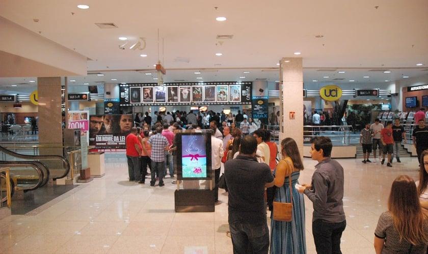 Sessão de pré estréia do filme em São Paulo lota duas salas de cinema. (Foto: Guiame/ Marcos Paulo Corrêa)