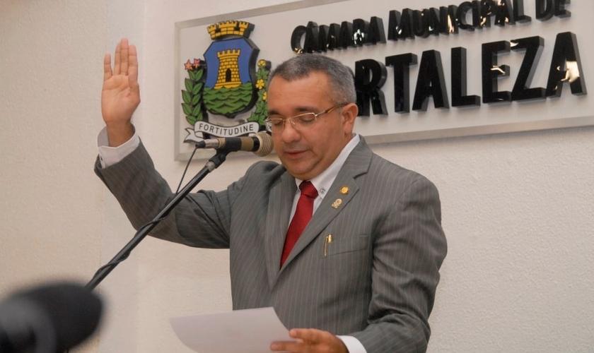 """""""Não estou ferindo o estado laico de direito"""", disse o vereador. (Foto: Genilson Lima)"""