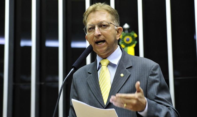 Deputado João Campos é o presidente da bancada evangélica na Câmara.