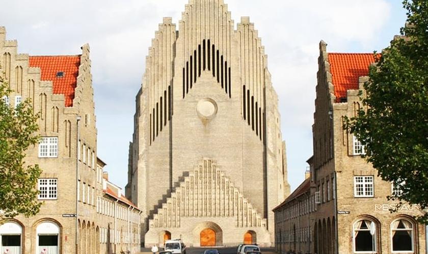 Um grupo ateísta iniciou uma campanha para incentivar cristãos a deixarem a Igreja da Dinamarca. (Foto: Reprodução)
