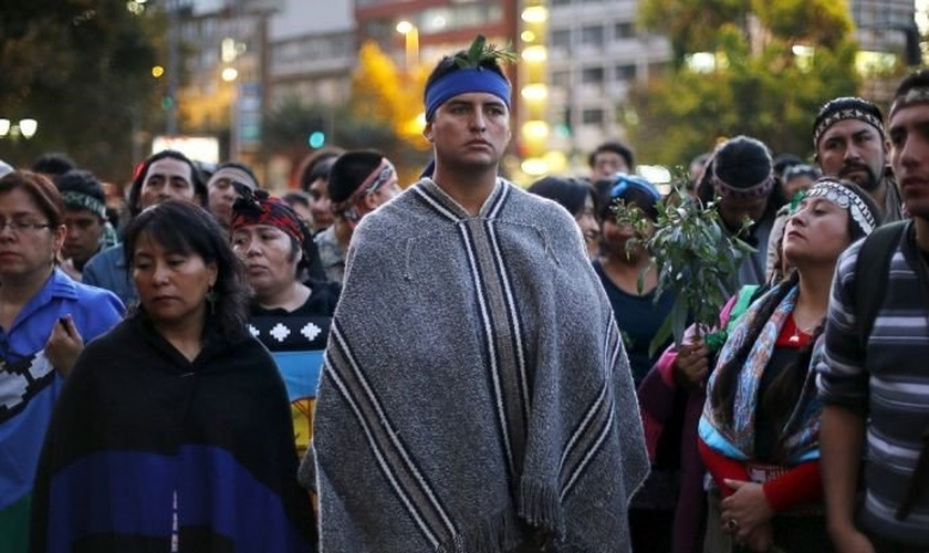 Representantees do povo Mapuche durante protesto no Chile. (Foto: Reuters)