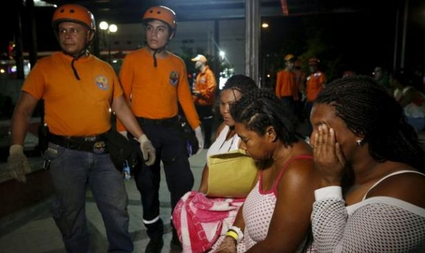 """De repente, tudo estava escuro, a luz estava apagada"", disse sobrevivente. (Foto: Reuters/Henry Romero)"