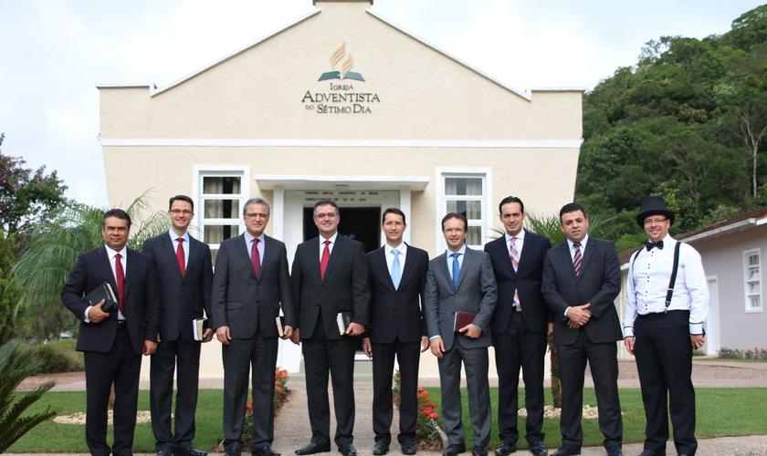 Líderes da Igreja Adventista da América do Sul, do Sul do Brasil e de Santa Catarina estiveram presentes na celebração. (Foto: ASN).
