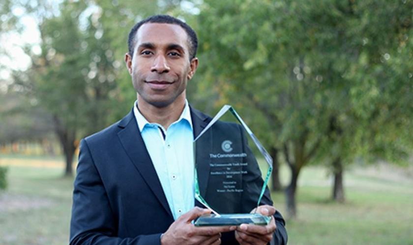 """""""É um grande privilégio receber este reconhecimento da Secretaria da Commonwealth"""", afirmou Kama. (Foto: ASN)."""