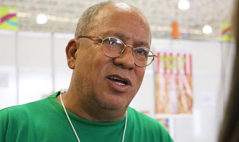 Pastor Humberto Machado, do projeto Cristolândia, em entrevista ao Guiame. (Foto: Guiame/ Marcos Paulo Corrêa)