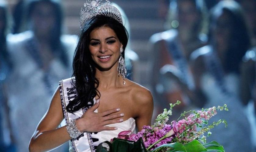 A libanesa Rima Fakih foi vencedora do concurso Miss EUA 2010. (Foto: Reprodução)