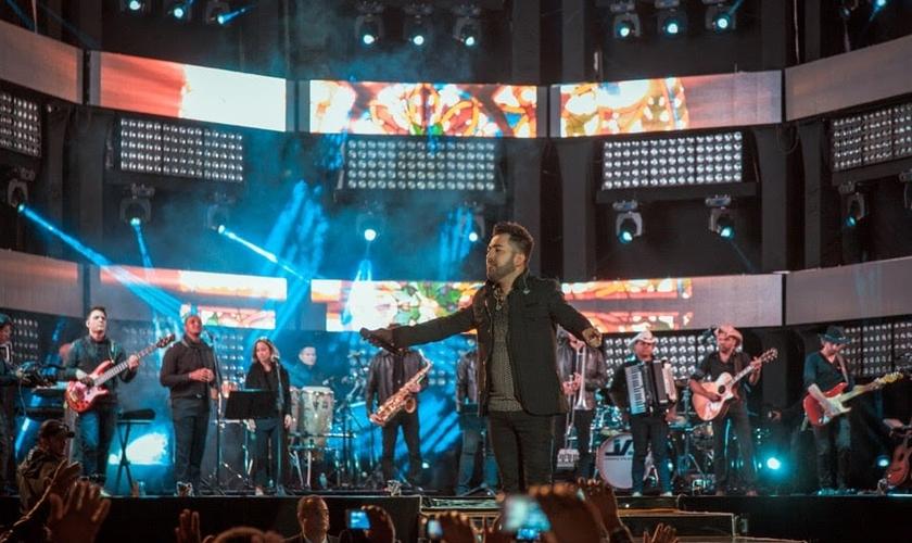 """O cantor liberou em seu canal VEVO o videoclipe da música """"Noites Traiçoeiras"""". (Foto: Divulgação)."""