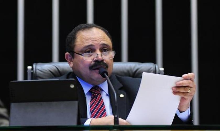 O presidente interino da Câmara determinou nova sessão para votação do processo de impeachment. (Foto: Agência Brasil).