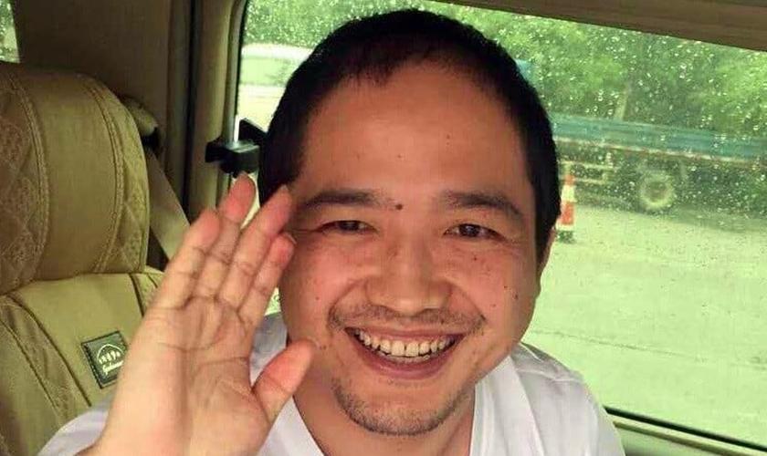 Pasto Zhang Chongzhu lidera uma das igrejas sancionadas pelo Partido Comunista na China. (Foto: China Aid)