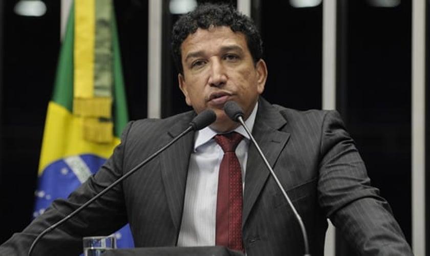 Magno Malta é senador pelo PR / ES e posicionou-se a favor do impeachment nesta quarta-feira. (Foto: MagnoMalta.com)