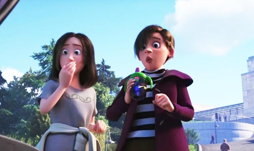 Em uma das cenas de seu primeiro trailer, aparecem duas mulheres cuidando de um bebê em um parque. (Imagem: Youtube)