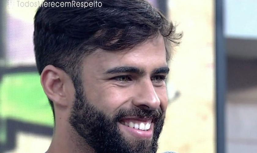 O casamento de Felipe Alcântara, vocalista da banda de forró 'Os Gonzagas', está marcado para novembro. (Foto: TV Globo)