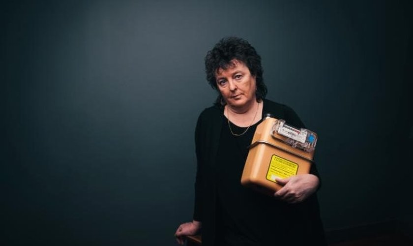 "Carol Ann Duffy, autora do controverso poema  ""After Orlando: Gay Love"", que aponta Deus como gay. (Foto: Mikael Buck/Smart Energy GB)"