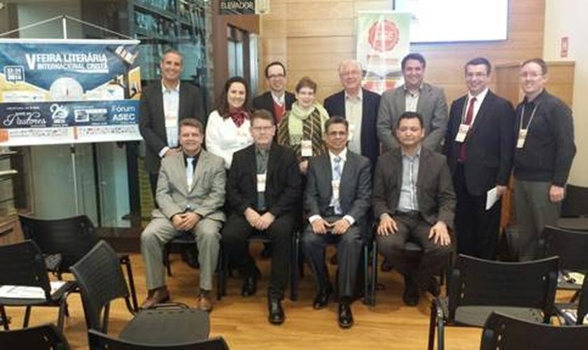 """Com o tema """"novas tendências do mercado editorial"""", o evento contou com palestrantes de representatividade setorial. (Foto: Divulgação)"""