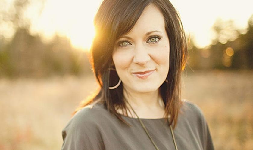 Lysa TerKeurst é escritora e presidente do Ministério internacional 'Provérbios 31'. (Foto: CBN)